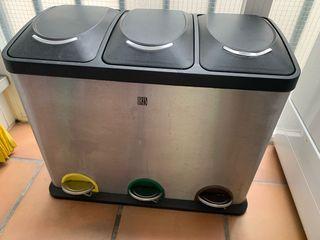 Cubo basura reciclable