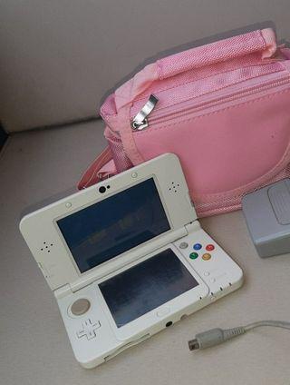 New Nintendo 3DS blanca más complementos.