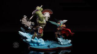 Qfig diorama Thor + Hulk MARVEL