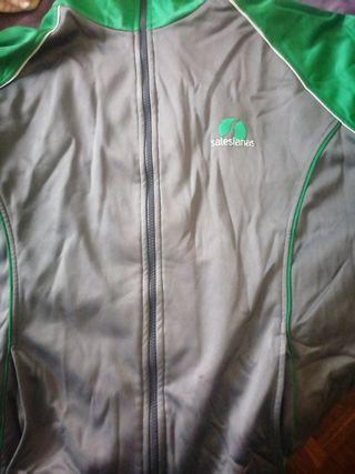 chaqueta de chandal colegio San Jose Salesianas