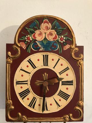Bonito reloj de pared alemán Junghans. Funciona