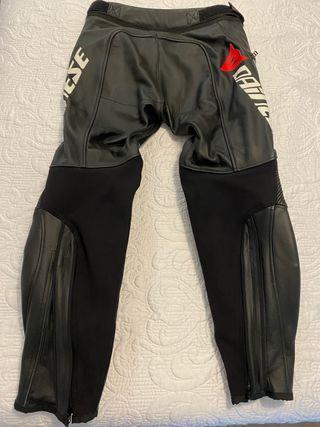 Pantalón de cuero Dainese Delta Pro 2