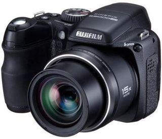 Cámara de fotos Fujifilm FinePix S2000HD