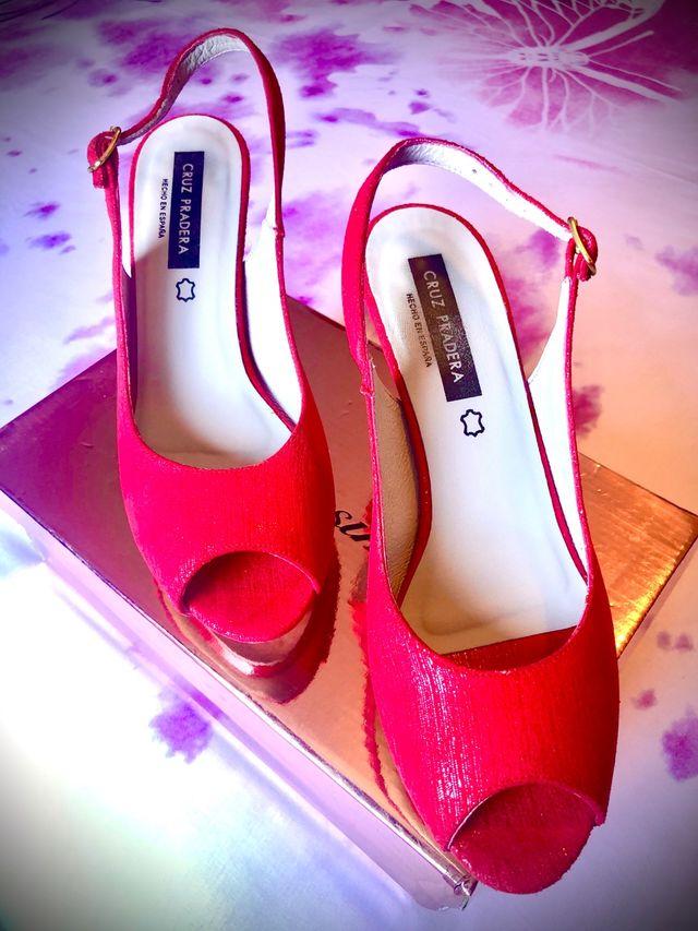 Zapatos tacón rojo