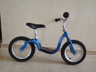 Bicicleta infantil en Godelleta.