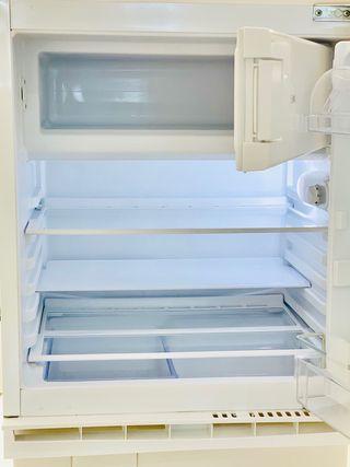 Frigorífico/congelador integrable, Huttta ikea A++