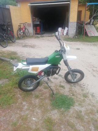 moto antigua 300 €
