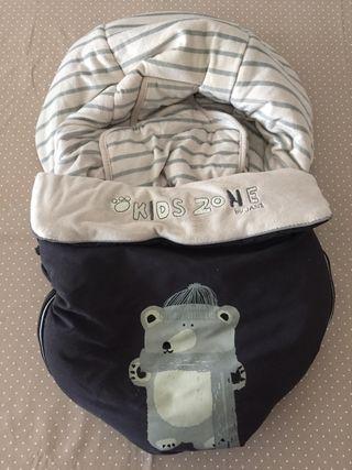 Saco invierno para silla bebé marca Jané