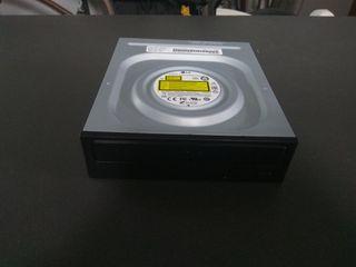 Disketera y caja de ordenador