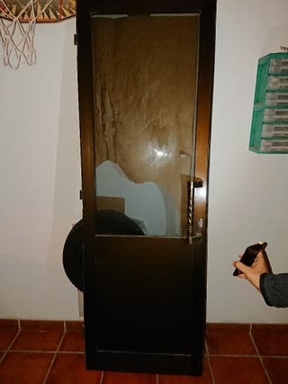 puerta aluminio bronce