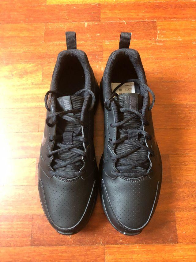 Viscoso bandera Algebraico  Zapatillas Nike negras talla 44 de segunda mano por 55 € en Santa Cruz de  Tenerife en WALLAPOP