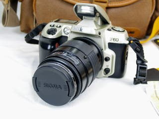 Camara de fotos Nikon F60 + objetivo Sigma F35-135