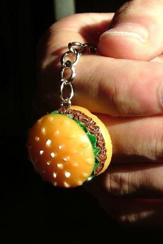 Llavero de hamburguesa de resina