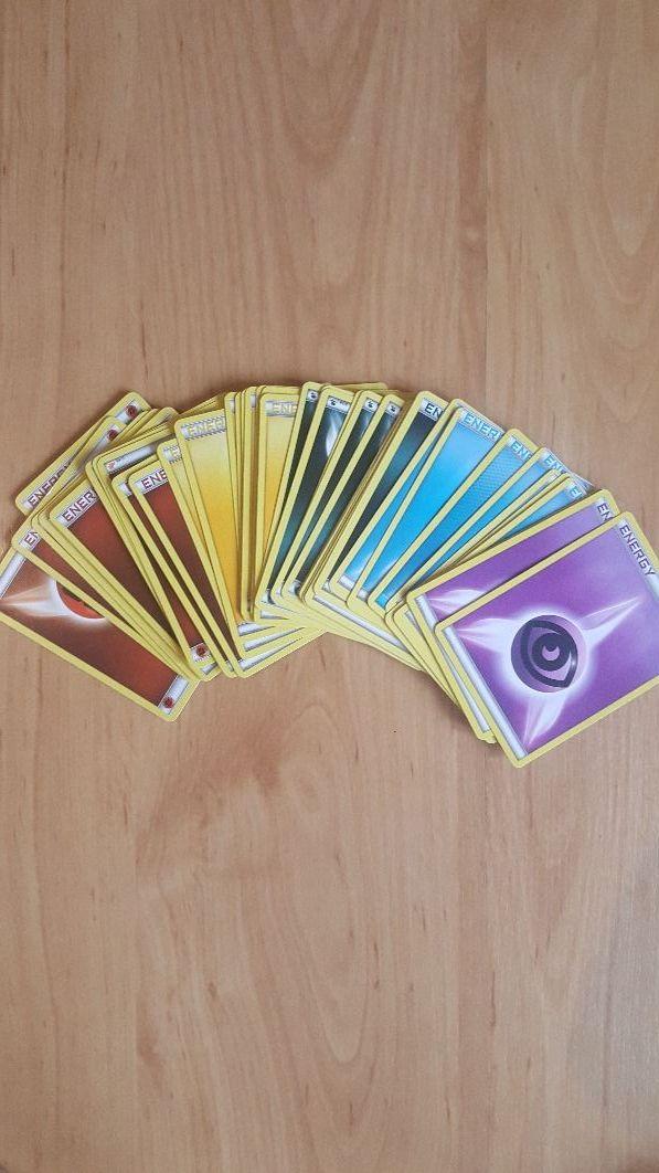 Pokemon Card Bundle (114 cards)
