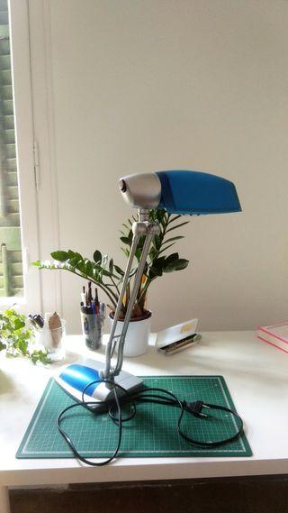 Lámpara de mesa flexo con bombilla
