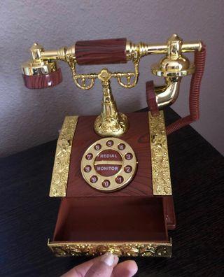 Antiguo teléfono caja