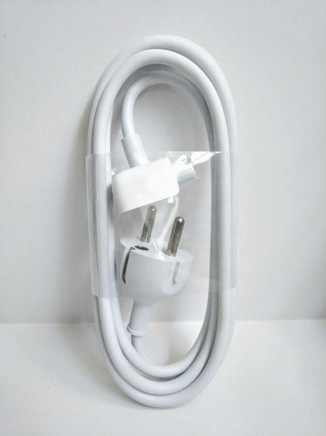 Apple. Cable para adaptador de corriente