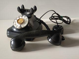 Antiguo teléfono baquelita