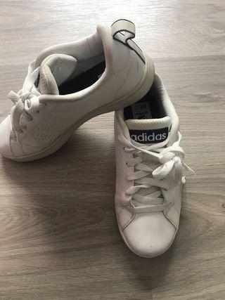 Zapatillas blancas Adidas classic