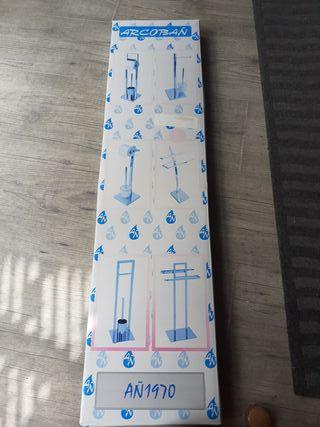 toallero de pie cromo