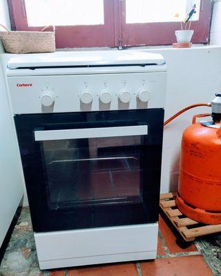 Cocina con horno de butano