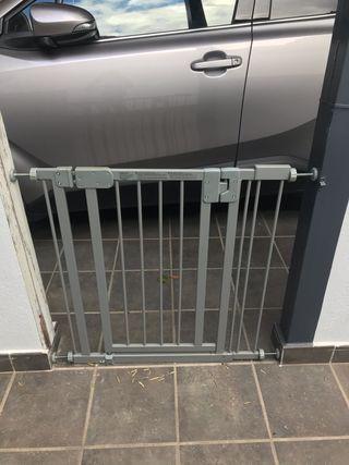 2 barreras de protección escaleras