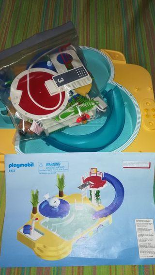 PLAYMOBIL 5433. Gran piscina con tobogán y fuente.