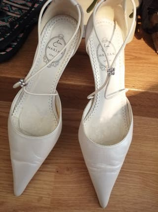 zapatos para novia acabados en punta