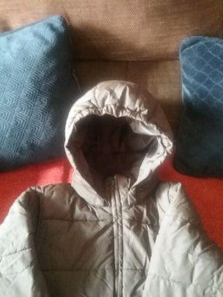 chaqueta plumas marrón