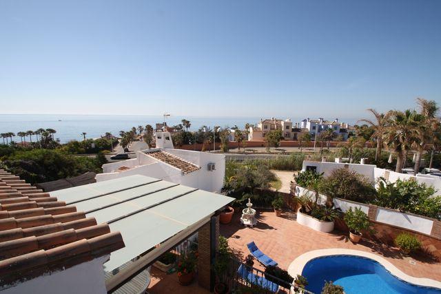 Corta temporada en la Costa del Sol (Bahía de Casares, Málaga)