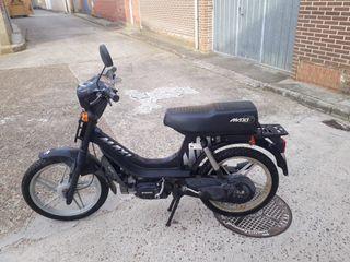 Suzuki maxi S