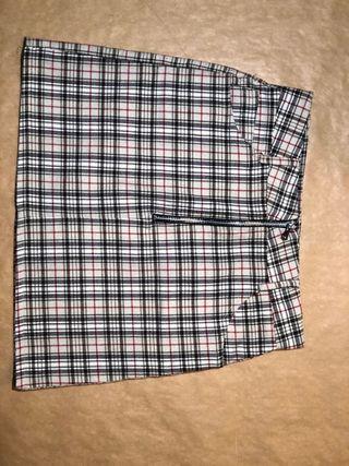 ROPA 6. Falda de cuadros de SUBDUED
