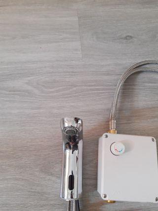grifo automático con sensor Roca