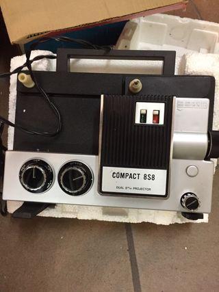 Proyector antiguo Súper 8 como nuevo