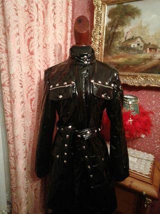 Abrigo talla L charol negro chaqueta impermeable