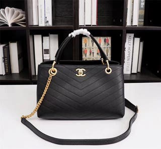 Chanel Bag come with box and protecting cloth