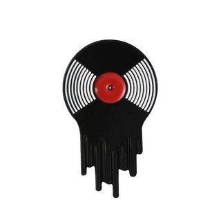 Original pin con disco de vinilo fundido.