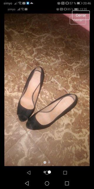 zapatos negros tacon