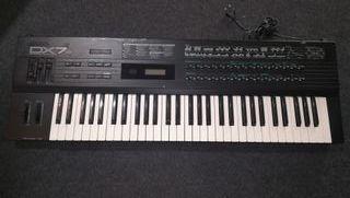 Sintetizador Yamaha DX7s