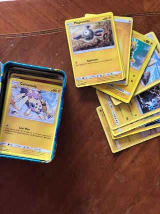80 Cartas Pokémon + caja, Sun & Moon (Sol y Luna)