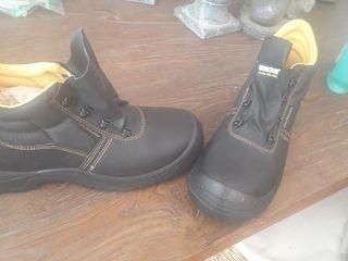 Botas de seguridad nuevas talla 45