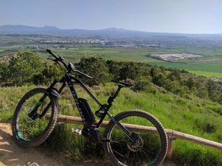 bicicleta de montaña eléctrica Mondraker