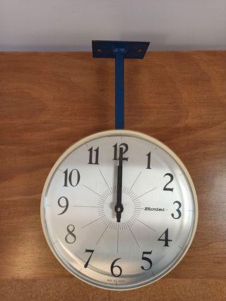 Reloj Bodet de doble cara