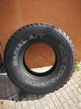neumático 31x10.50R15