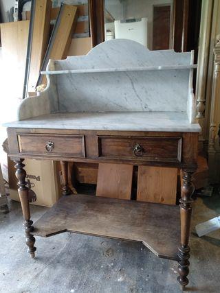 Mesa escritorio estilo clásico