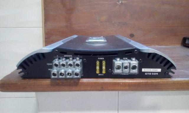 Amplificador música coche