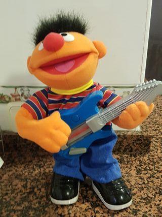 Muñeco Epi Guitarra