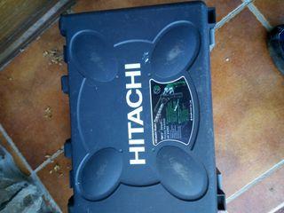 taladro Hitachi profesional