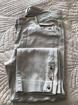 Pantalón corsario beige