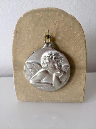 Medalla ángel de la guarda.